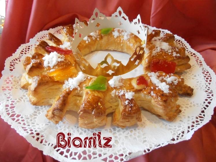 Roscón de Reyes de hojaldre relleno de almendra.Roscón de Reyes clásico. Confiteria Biarritz. Mejores roscones de Reyes de Gijón.