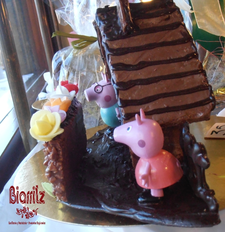 Bollo de Pascua Pepa Pig, de la Confitería Biarritz de Gijón.
