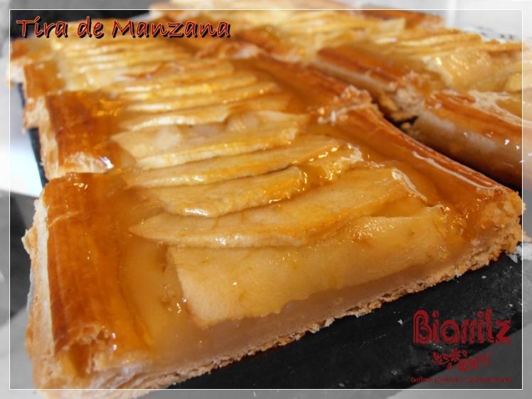 PASTEL DE MANZANA. Manzana sobre una fina y crujiente base de hojaldre con crema pastelera.