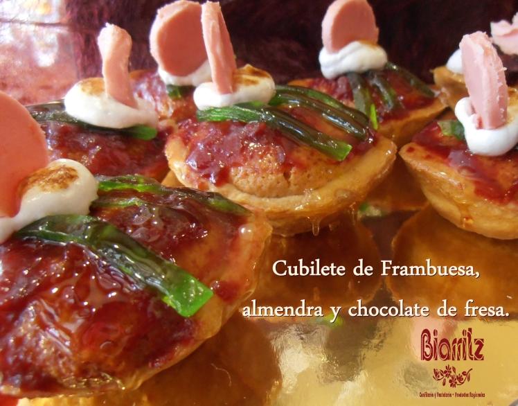 Cubilete frambuesa Cubilete de Arándanos Mousse de chocolate y almendra #Diadelamadre #mothersday